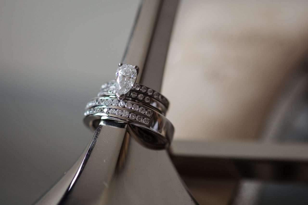 Froyle-Park-wedding-photography-Chris-Woodman-Photographer-02