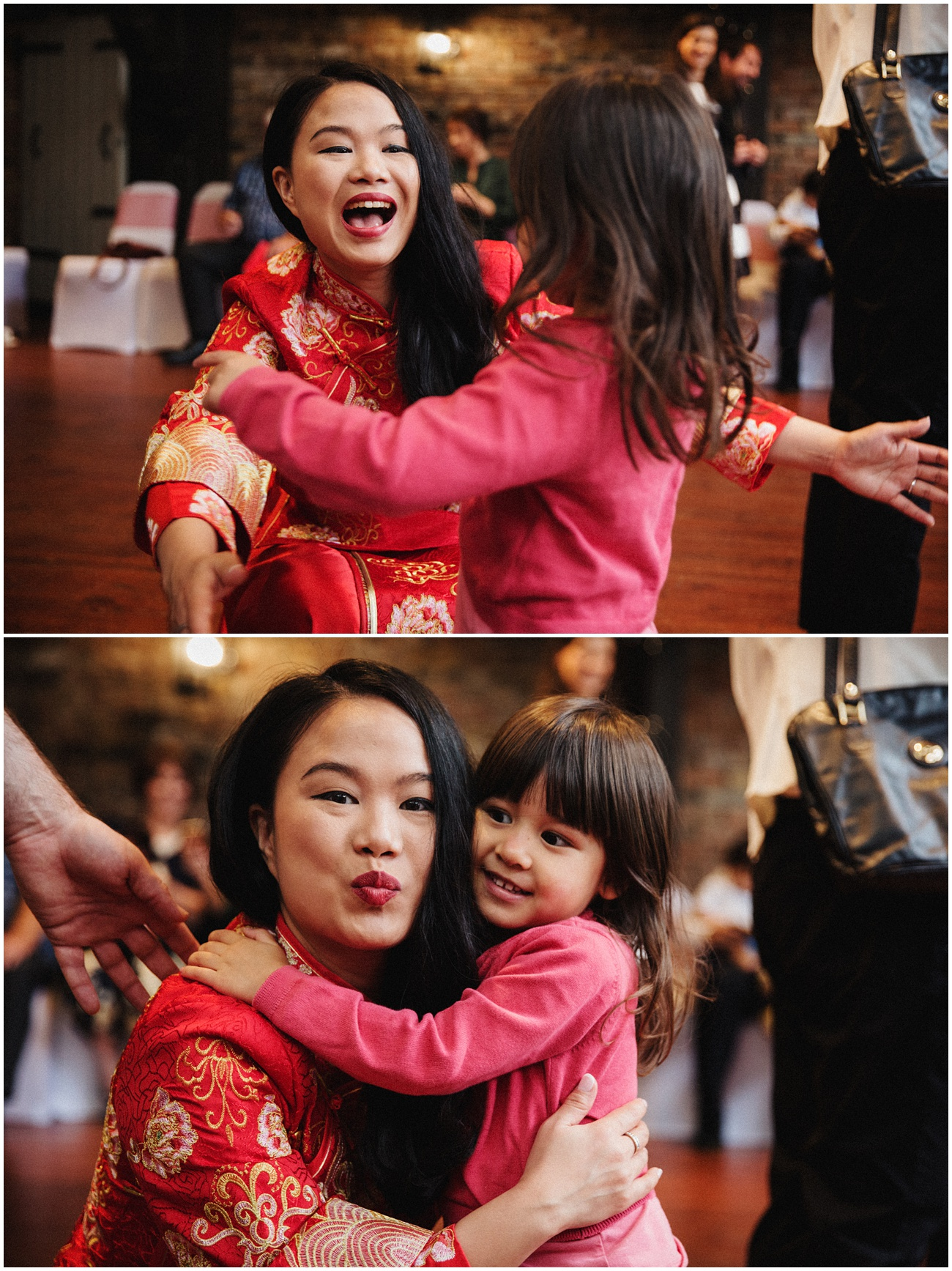 The bride hugs a young girl in her Chinese traditional wedding dress
