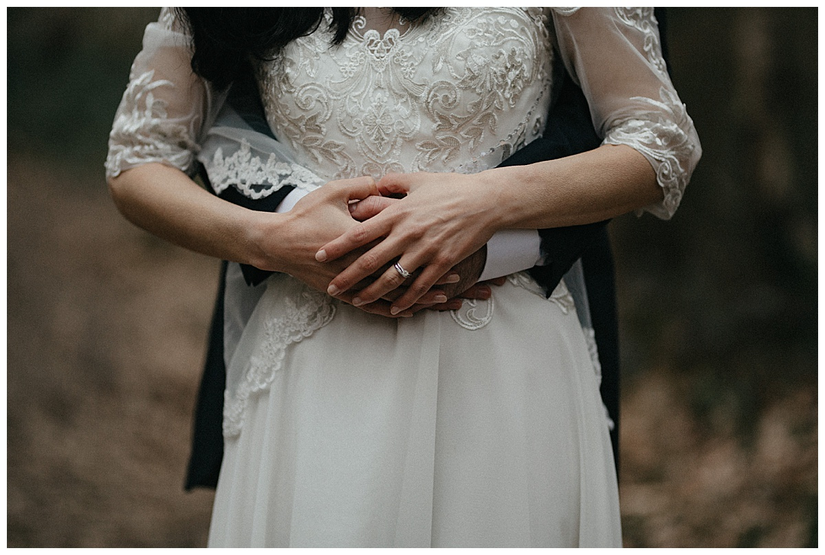 A detail shot of the brides ring on her finger